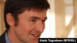 ЕҚЫҰ-ның полиция қызметінің стратегиялық мәселелері жөніндегі сарапшысы Роман Макуха. Алматы, 14 мамыр 2014 жыл.