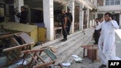 نیروهای پلیس در محل انفجارها