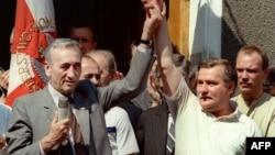Першы некамуністычны прэм'ер Польшчы Тадэвуш Мазавецкі і Лех Валэнса. Жнівень, 1989 год.