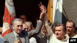 Elektrik Lex Valensa mübarizəyə qoşulan zaman ona siyasi lider demək olardımı? Polşa, 20 avqust 1989