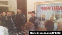 Фойє Врадіївського райвідділу міліції