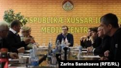 В ходе круглого стола были подведены первые итоги парламентской кампании в Южной Осетии