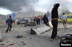 Место взрыва заминированного автомобиля 20 января этого года. Такие взрывы в Сирии происходят регулярно