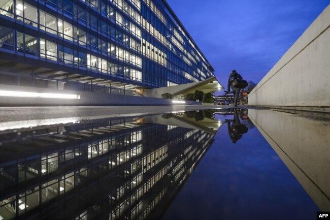 Здание штаб-квартиры ВОЗ в Женеве, Швейцария