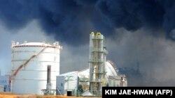 Дым после аварии на АЭС «Фукусима». Япония, префектура Мияги, 13 марта 2011 года.
