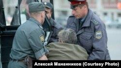 """Алексей Мананников, после """"путинга"""". Новосибирск. 2012 г."""