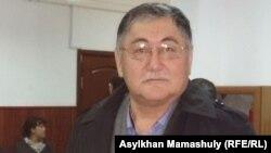 """Рысбек Сәрсенбай, """"Жас Алаш"""" газетінің бас редакторы."""