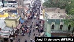 Улица Хайдарабада, административного центра штатов Телангана и Андхра-Прадеш.
