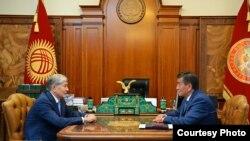 Президент Алмазбек Атамбаев премьер-министр Сооронбай Жээнбеков менен жолугушту. 21.08.2017