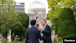 Синдзо Абэ и Барак Обама в Хиросиме