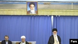 Supreme Leader Ayatollah Ali Khamenei (in chair), with Expediency Council Chairman Ali Akbar Hashemi Rafsanjani (center) and parliament speaker Ali Larijani