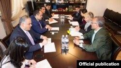 Фотография - пресс-служба Минюста Армении