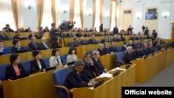 Тәжікстан парламентінің жиыны (Көрнекі сурет).
