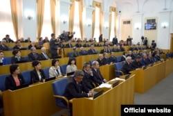 Тәжікстан парламенті. Душанбе, 17 наурыз 2015 жыл. (Көрнекі сурет)