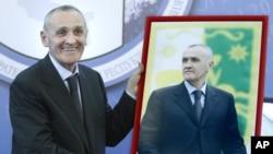 Абхазия янги президенти.