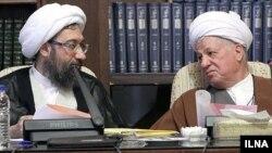 اکبر هاشمی رفسنجانی (راست) و صادق لاریجانی، رییس قوه قضاییه ایران