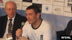 Uzbekistan - Ruslan Chagaev, WBA Heavyweight Champion at a press conference. Stuttgart, Germany, 14Apr2007