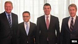 Совет за стабилизација и асоцијација на Македонија со ЕУ во Брисел. Штефан Филе, еврокомесар за проширување, вицепремиерот за евроинтеграции Фатмир Бесими, министерот за надворешни работи Никола Попоски.