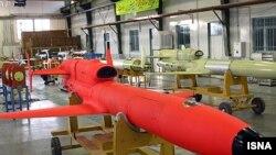 بر اساس گزارش خبرگزاری های ایران، بمب افکن «کَرّار» میتواند اهداف مورد نظر را در سرعت پروازی بالا بمباران کند.