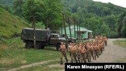 Војници во Нагорно Карабах