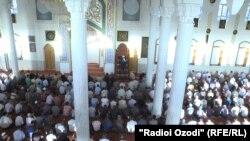 Празднование Иди Курбон в Таджикистане