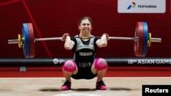 Agyr atletika boýunça 53 kilogram agramda çykyş eden türkmenistanly türgen Kristina Şermetowa kümüş medaly aldy.