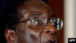 Zimbabve müstəqillik qazanandan bu ölkəyə Robert Muqabe rəhbərlik edir