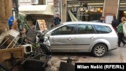 Vozač je povredio jednu osobu i uništio tri bašte kafića