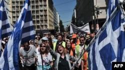 Общая безработица в Греции - более 27 процентов, а среди молодежи - почти 65 процентов