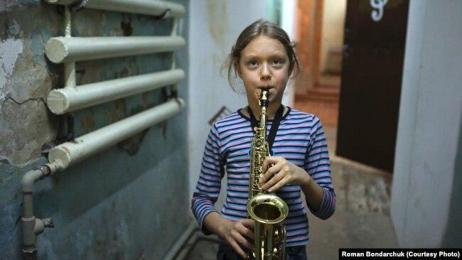 Поліна Тарасенко, кадр з фільму