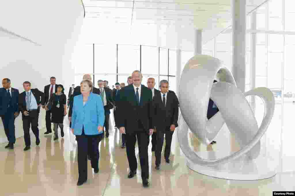 Германия канцлері Ангела Меркель мен Әзербайжан президенті Ильхам Әлиев.
