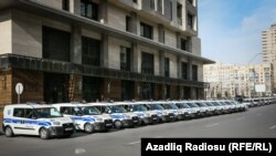 Полицейские машины в Баку.