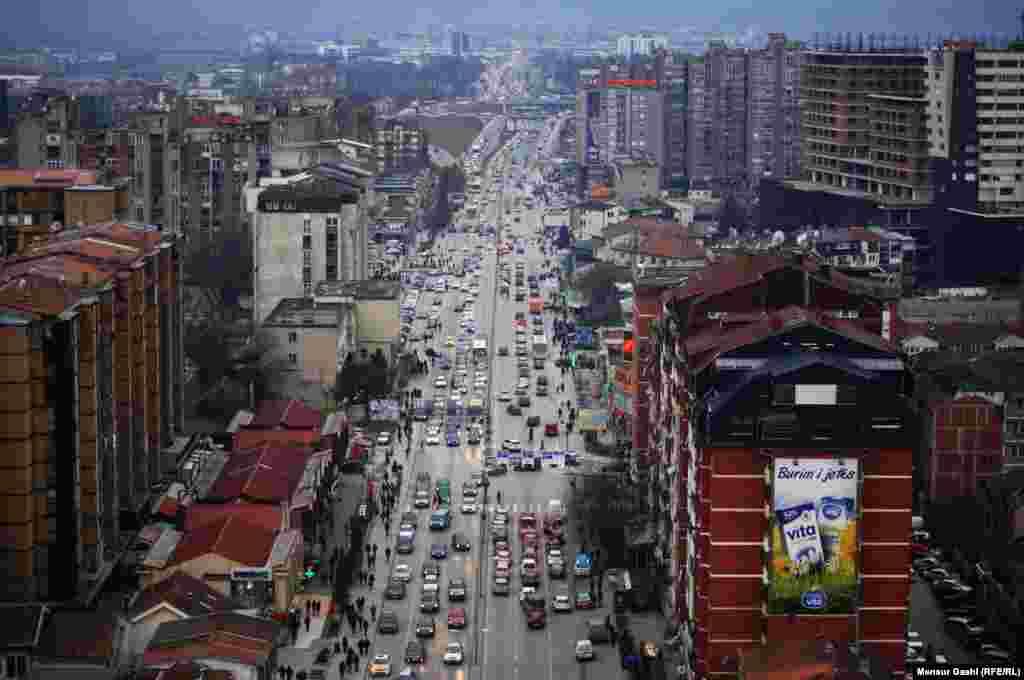 Вид на главную улицу Приштины. 10 февраля в городе было –1 (Photo by Mensur Gashi)