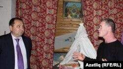 Татарстанның Свердлаудагы яңа вәкиле Ринат Садриев һәм мөхәррир Фәннүр Гайсаров
