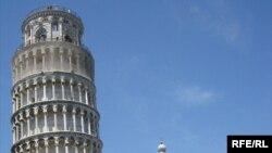 Krivi toranj, Piza