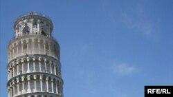"""Krivi Toranj"" u Pizi, Italija"