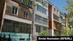 Самый центр Оша, улица Курманжан-Датки, 228, где было совершено преступление.
