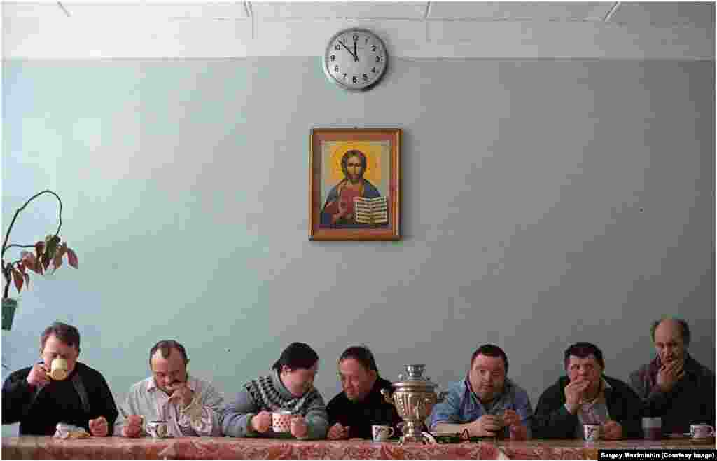 Intellectually disabled actors of the Naive Theater drinking tea in St. Petersburg, 2005