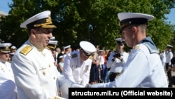 Випуск офіцерів і мічманів у Нахімовському училищі в Севастополі