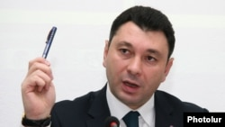 Armenia - The ruling Republican Party spokesman Eduard Sharmazanov at a press conference in Yerevan, 1Dec2015