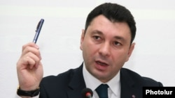 Armenia - Ruling Republican Party spokesman Eduard Sharmazanov at a press conference, Yerevan, 1Dec2015.