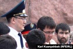 Прокурор Медеуского района города Алматы Мадияр Басшыбаев. Алматы, 2 июня 2012 года.