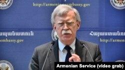 Советник президента США по национальной безопасности Джон Болтон. Ереван, 25 октября 2018 года.