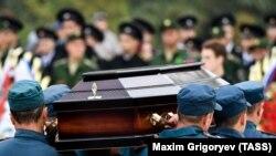 Під час поховання загиблих в окупованій Керчі