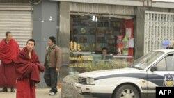 Етнички тибетански свештеник во покраината Сичуан