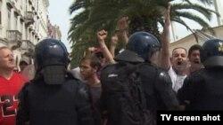 Полиция защищает участников гей-парада в Сплите от негодующих гомофобов
