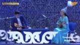 «Хабар» телеарнасынан берілген «Жұлдыздар айтысады» шоу-айтысының видеосынан скриншот.
