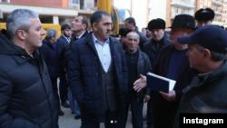 Глава Ингушетии Юнус-Бек Евкуров инспектирует строительство (архивное фото)