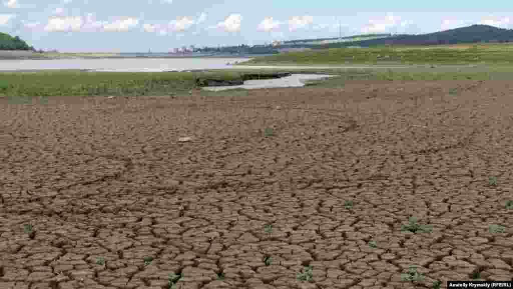 Російська влада Криму стверджує, що за минулий дощовий період водойма щодоби отримувала з різних природних джерел близько 120 тисяч кубометрів дощової води. На цій підставі чиновники будують сприятливі прогнози щодо подальшого водозабезпечення Сімферополя