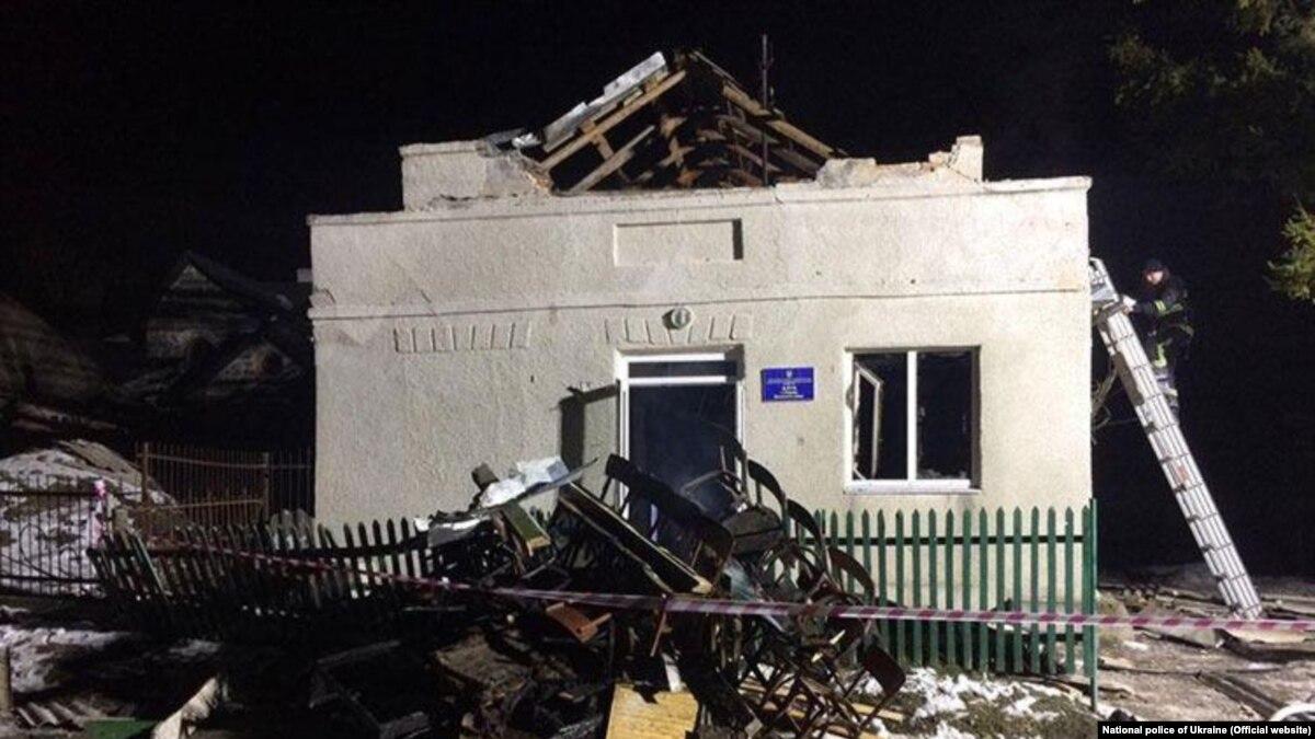8 детей попали в реанимацию из-за взрыва в сельском клубе в Тернопольской области